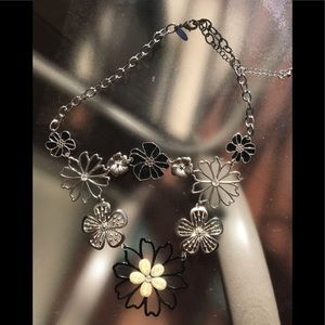 Black and silver floral necklace !
